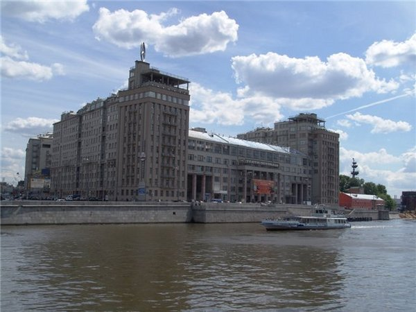 Двадцать самых популярных легенд о Москве. 3155.jpeg
