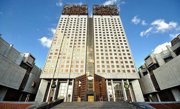 Двадцать самых популярных легенд о Москве. 3156.jpeg