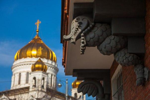 8 французских мест в Москве